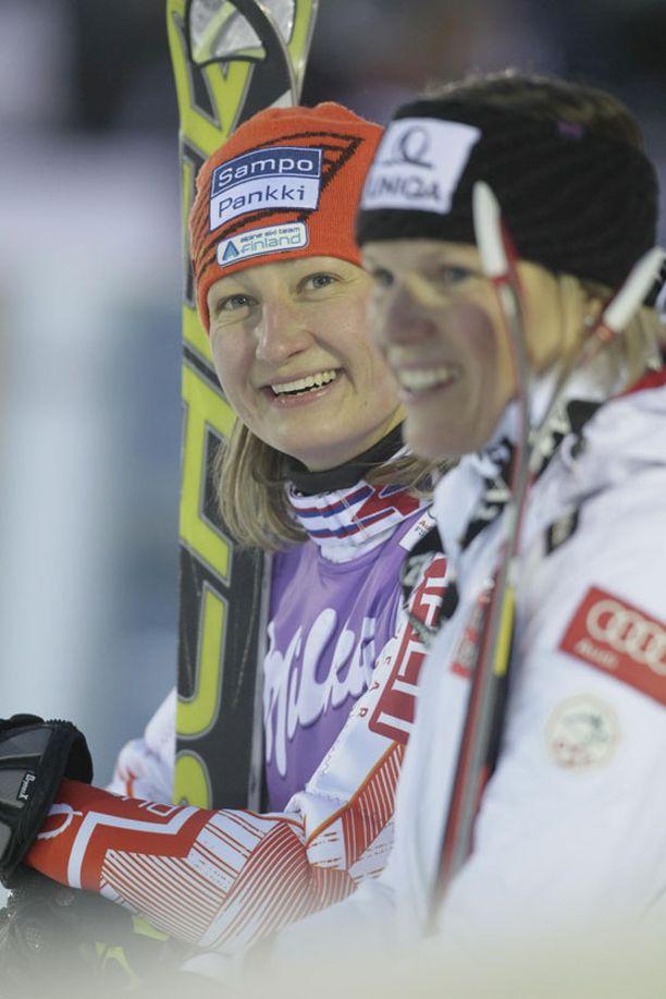 Tanja Poutiainen nappasi kolmannen sijan Levin pujotteluavauksessa.
