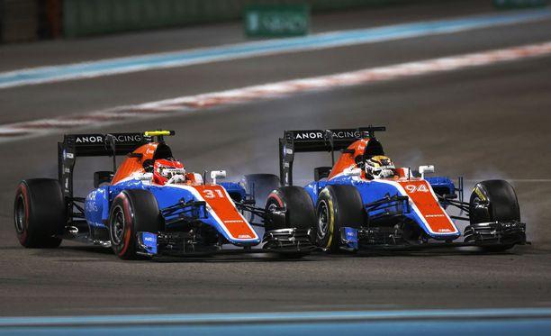 Manorin ratissa nähtiin viime kaudella Esteban Oconin (vasemmalla) ja Pascal Wehrleinin (oikealla) lisäksi Rio Haryanto.