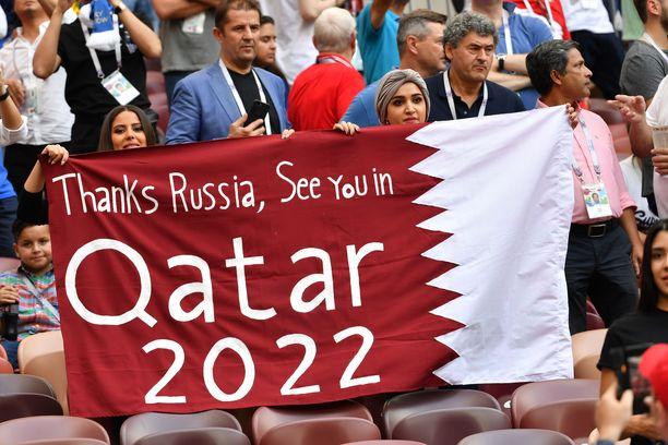 Qatarissa nähdään! Jalkapallon MM-kisat järjestetään poikkeuksellisesti marras-joulukuun taitteessa vuonna 2022.