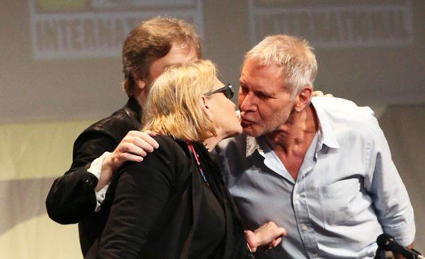 Fisher ja Ford lämpimissä tunnelmissa San Franciscon Comic Conissa vuonna 2015.