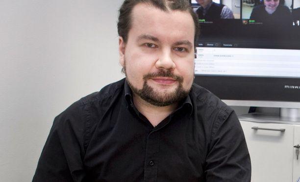 IRC-Gallerian perustaja ja nykyinen toimitusjohtaja Jari Jaanto tunnetaan nimimerkillä Jaffa.