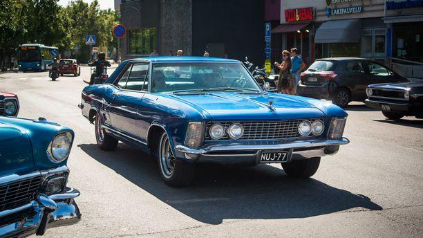 1963-65 valmistettu Buick Riviera oli suunniteltu personal luxury -autoluokkaan.