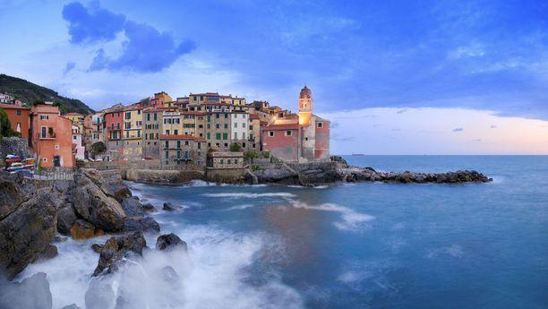 Jos Italian Cinque Terre tuntuu liian ruuhkaiselta, voi samantyylistä tunnelmaa hakea myös pienestä Tellarosta.