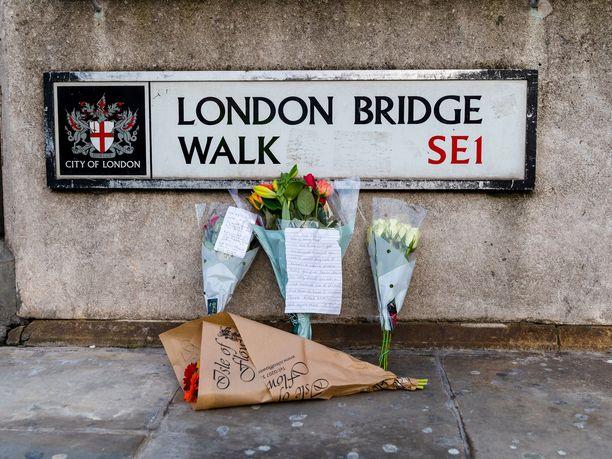 Äärijärjestö Isis väittää London Bridgellä tapahtuneen puukkoiskun tekijän toimineen sen nimissä.