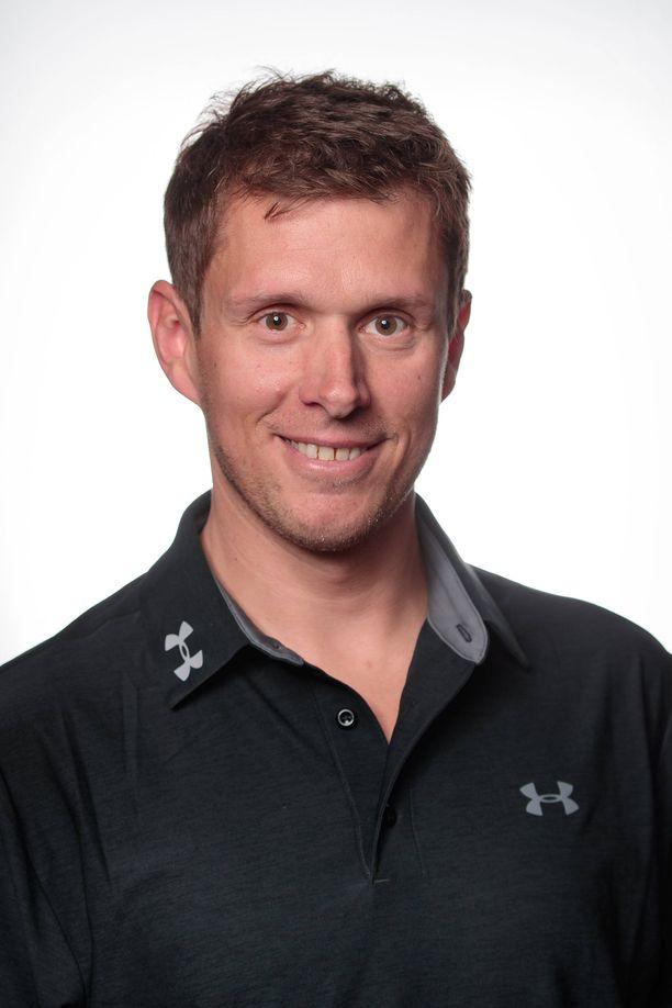 Benjamin Eder toimii Itävallan huoltoryhmässä ampumahiihdon maailmancupissa.
