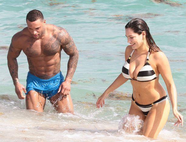 David McIntosh ja Kelly Brook kuvattiin vielä helmikuun alussa onnellisesti yhdessä Miami Beachilla Yhdysvalloissa.