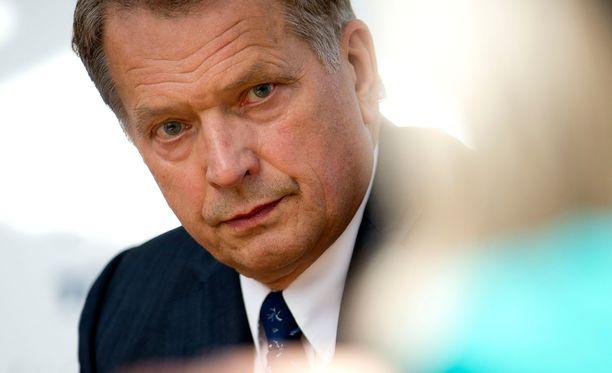 Sauli Niinistö ei osallistu Moskovan voitonpäivän paraatiin.