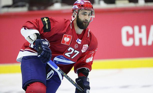 Kyle Quincey huomasi eurooppalaisen pelityylin eroavan paljon NHL-pelistä.