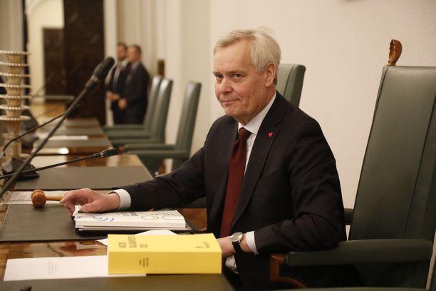 Antti Rinne on eduskunnan 1. varapuhemies. Hän johti myös hallitustunnusteluja, vaikka erosi pääministerin tehtävästä.
