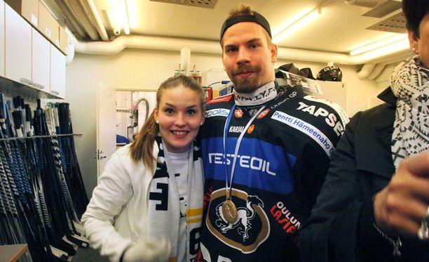 Sanna Ylianttila ja Joonas Donskoi juhlivat mestaruutta ja syntymäpäiviä.