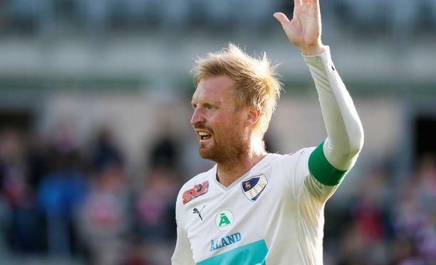 Kapteeni Jani Lyyski teki IFK Mariehamnin neljännen maalin PK-35 Vantaata vastaan.