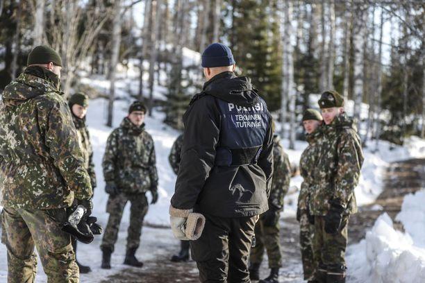 Poliisi pyysi Puolustusvoimilta virka-apua, kun rikospaikkaa tutkittiin viime talvena.