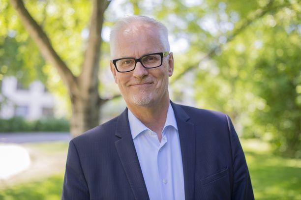 Petri Sarvamaa ajaa muutoksia europarlamentin kantaan biodiversiteettistrategiasta.