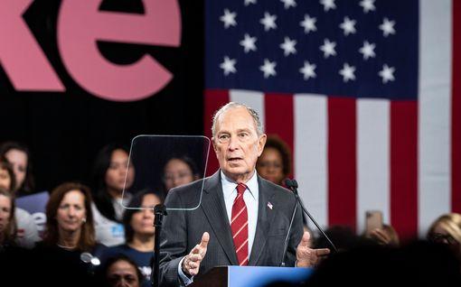 Vuosia vanha kohunauhoite presidenttiehdokas Michael Bloombergistä nousi esiin USA:ssa – Trumpkin tuomitsi miljardöörin rasistiksi