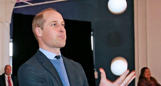 Prinssi Williamilla on monta palloa ilmassa. Huonolta tuntuvia ystävyyssuhteita hän ei halua ylläpitää.