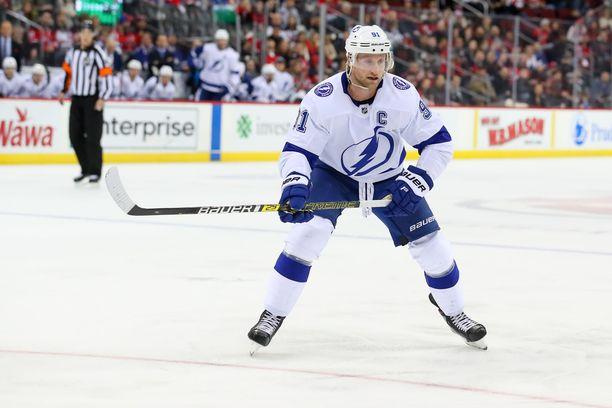 Steven Stamkos saatetaan nähdä tulevana yönä NHL-jäillä.