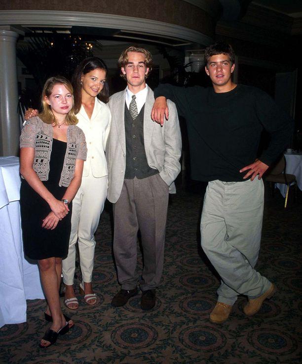 Dawson's Creek -tähdet Michelle Williams, Katie Holmes, James Van Der Beek ja Joshua Jackson vuonna 1997.