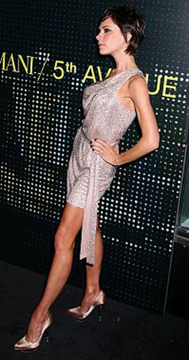 Victoria Beckham haluaa tulla tunnetuksi vaatesuunnittelijana eikä jalkapalloilijan vaimona.