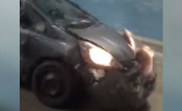 Honda-kuskin mukaan alkuperäinen syyllinen oli avolava-auton kuljettaja.