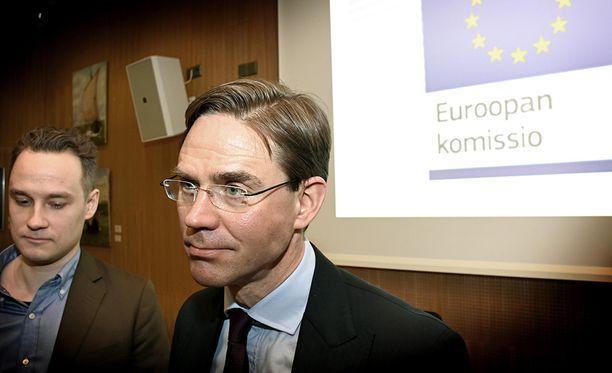 Maanantaina Helsingissä toimittajia tavannut EU-komission varapuheenjohtaja Jyrki Katainen (kok) pitää Yhdysvaltain presidentin Donald Trumpin kauppasotapuheita tolkuttomina.