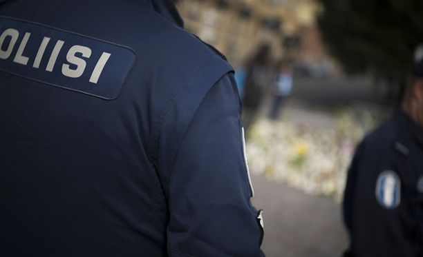 Turun puukkoiskuun liittyen on aiemmin vangittu neljä epäiltyä.