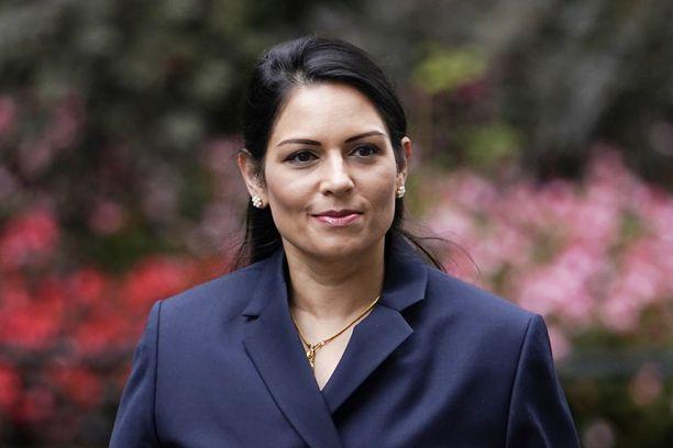 Britannian sisäministeri Priti Patelin mukaan hän ei ole koskaan halunnut loukata ketään.