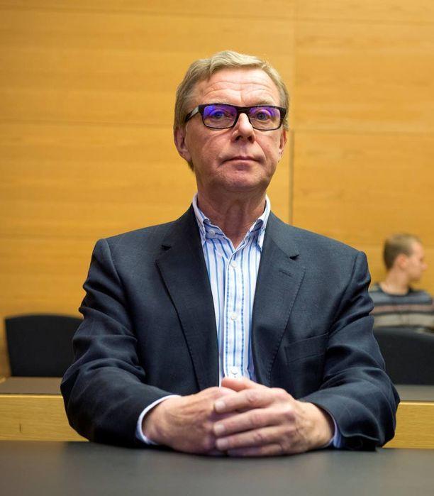 Juha Kajo Helsingin käräjäoikeudessa tiistaiaamuna.