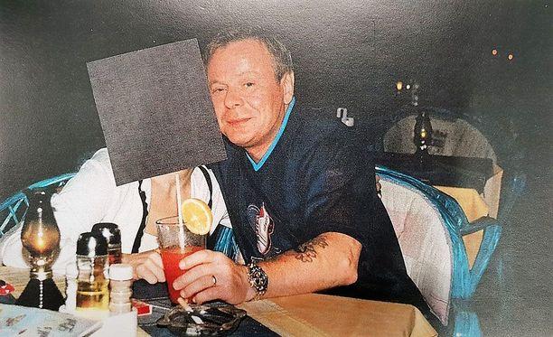 Raimo Andersson silloin kuin kaikki vielä oli hyvin. Pian kuvan oton jälkeen hän joutui murhasta vankilaan.
