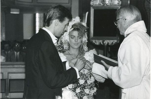 Eini ja Lars vihittiin 30.7.1988.