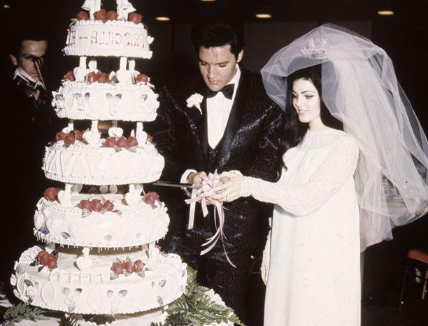 Elvis ja Priscilla viettivät häitään 1. toukokuuta 1967.