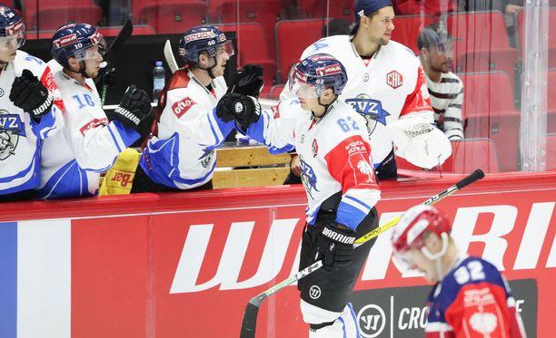 Maaliaan juhliva Zugin Jarkko Immonen oli aivan liian vaikea pideltävä HIFK:lle.