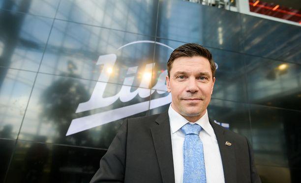 SM-liigan toimitusjohtaja Riku Kallioniemi tyrmää puheet päätöksestä nostaa Espoo United ensi kaudeksi Liigaan.