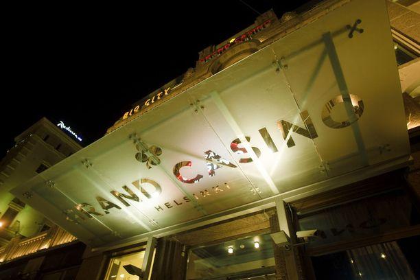 Pelinhoitajan rötös tallentui Casino Helsingin valvontakameraan.