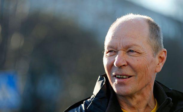 Pertti Jantunen, 65, on pettynyt suomalaisten futisseurojen toimintatapoihin.