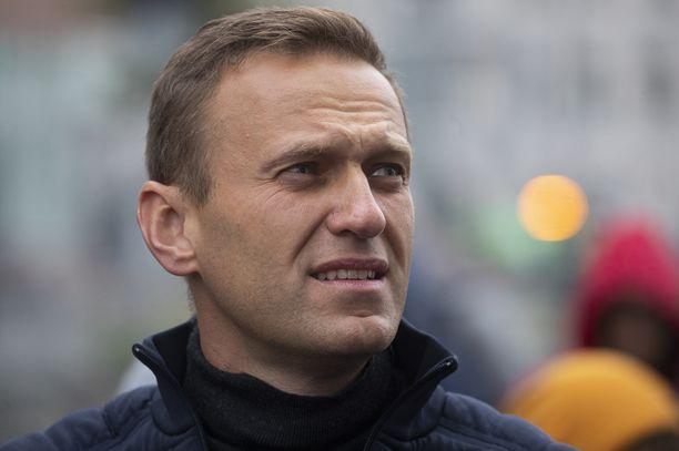 Aleksei Navalnyi kertoi ratsauksesta Twitterissä.