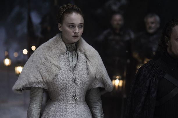 Sansa Stark joutui avioitumaan Ramsay Boltonin kanssa. Kuva tuotantokaudelta viisi.