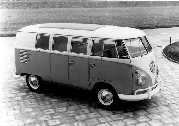 Kaksiruutuinen ikkuna oli ensimmäisen (T2) mallin ominaisuus.