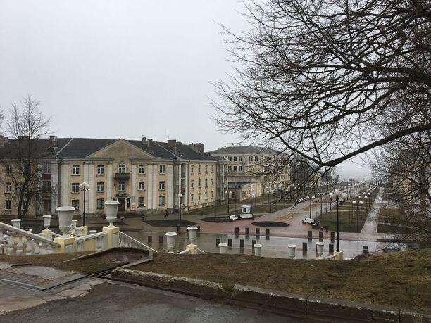 Sillamäen keskusta on rakennettu Stalinin kaudella, ja se myös näkyy taloissa.