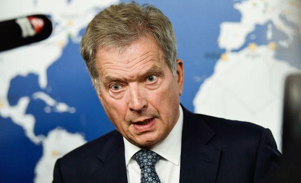 Presidentti Sauli Niinistö tapasi puoluejohtajia maanantaina.