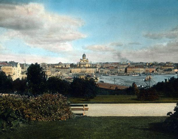 Helsinkiä mainostettiin ulkomaalaisille Pohjolan valkeana kaupunkina.