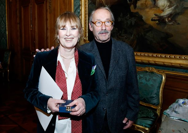 Gösta oli naimisissa taiteilija Marie-Louise Ekmanin kanssa.