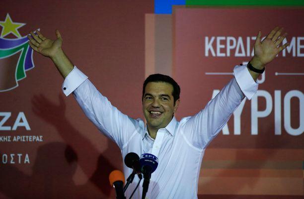 Alexis Tsiprasin pitää runnoa lainoittajien vaatimukset läpi.