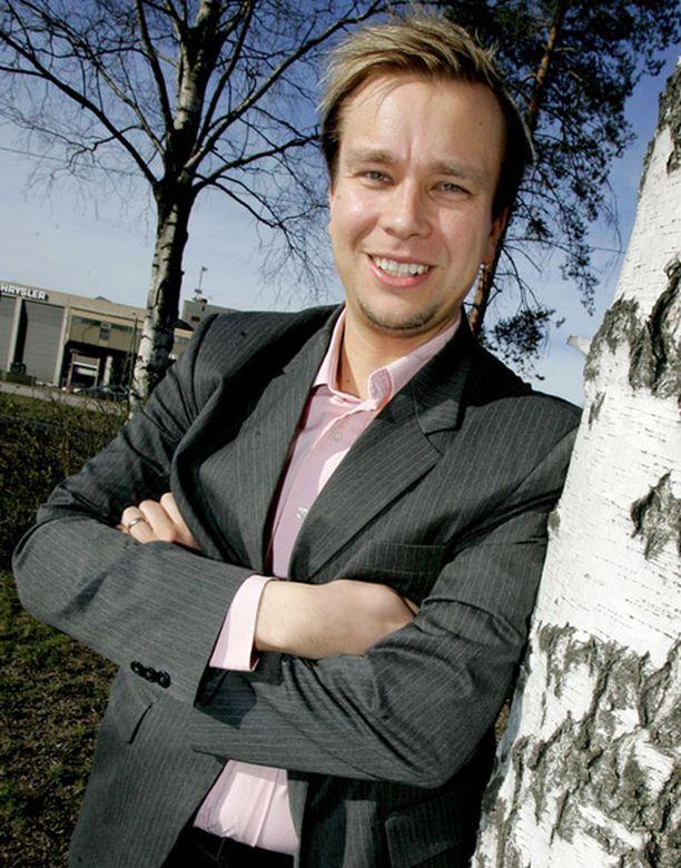 Antti Kaikkonen toivoo iän myötä tulevansa romanttisemmaksi.