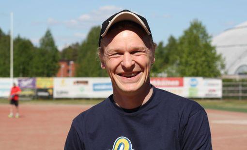 Toni Nieminen nauttii uudesta työstään.