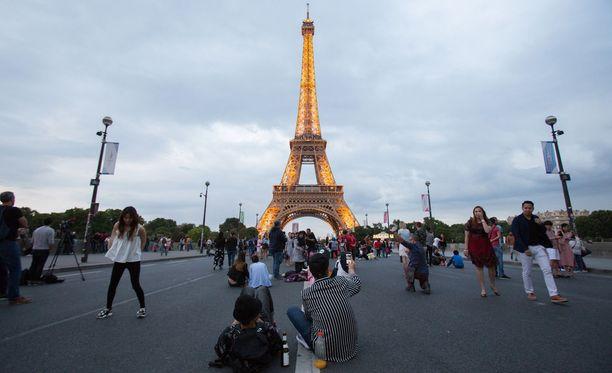 Eiffel-tornia käy katsomassa vuosittain vajaat seitsemän miljoonaa ihmistä.