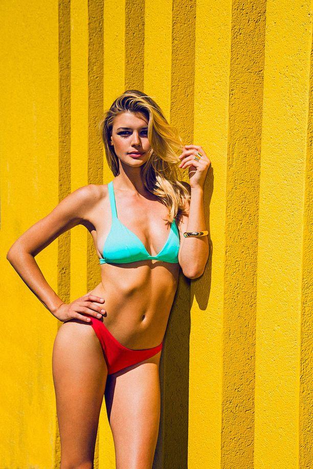 Kelly Rohrbach hurmaa bikinikuvissaan.