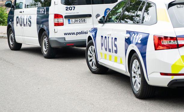 Poliisi tutki Kirkkonummen henkirikosta murhan näkökulmasta. Kuvituskuva.