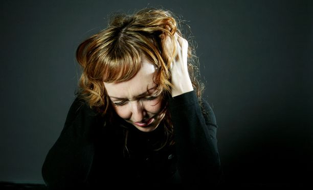 Stressille, ahdistukselle ja masennukselle altistaa muun muassa yt-neuvottelut ja irtisanomiset.