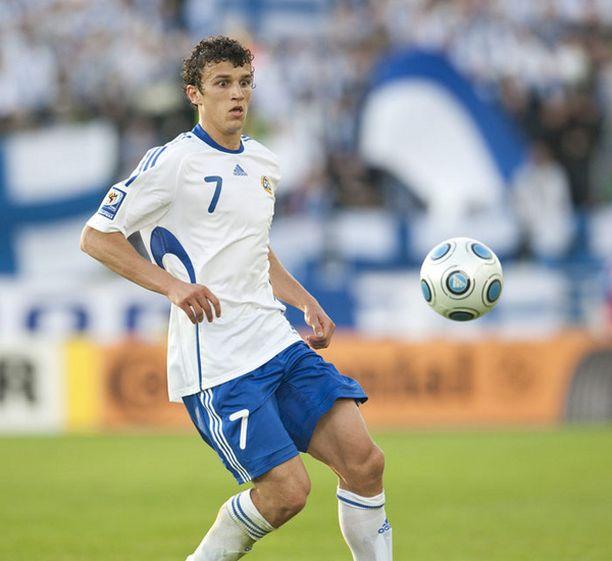 Roman Eremenko vauhdissa MM-karsintaottelussa.