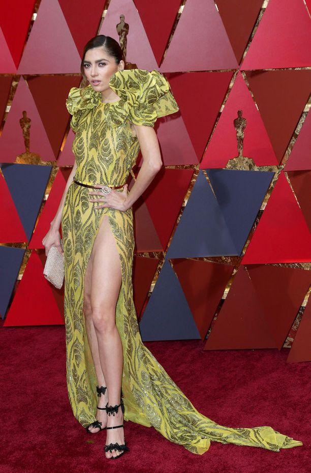 Kalifornialaisnäyttelijä Blanca Blancon halkio paljasti liikaa. Kellekään ei jäänyt epäselväksi, että Blancon alusvaatteet jäivät kotiin.